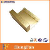 Rectángulo de papel de empaquetado cosmético del regalo del color de oro con insignia