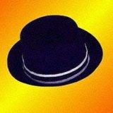 Les hommes en coton bleu du chapeau de transfert en amont