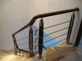 Escaleras de aluminio contemporáneas de la barandilla de madera sólida de la barandilla del alambre del acero inoxidable del diseño