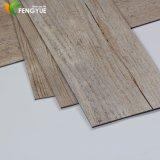 Carrelage matériel réutilisé par vinyle de PVC de modèle de tapis de fournisseur de la Chine