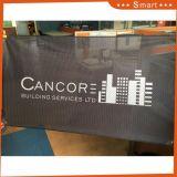 Installazione esterna del PVC della maglia di stampa che fa pubblicità alla bandiera