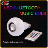 Lampe intelligente saine de vente chaude de Bluetooth de lampe de lumière d'ampoule des haut-parleurs secs DEL Bluetooth de musique du WiFi RVB la lampe éloignée du téléphone $$etAPP Contol