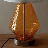 مصباح داخليّة زخرفيّة زجاجيّة وبيضاء [لينن] بناء ظل [تبل لمب] لأنّ [غسترووم] فندق