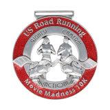Preiswerte kundenspezifische Sport-Edelstahl-Metallmedaillen-Halter-Medaillen-Aufhängungs-Bildschirmanzeige-Fertigung, die laufende Marathon-Medaillen-Aufhängung läuft