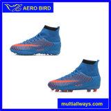 Chaussures du football du football de cheville de type de mode d'homme