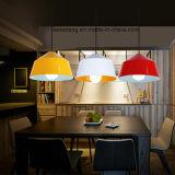 Innenhauptbeleuchtung, die hängende Lampe für sechs Farben hängt