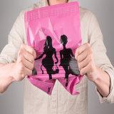 공장 까만 로고를 가진 주문 분홍색 포장 부대 많은 포스트 우송자