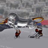 安いカスタム形の水晶置物の動物のBullfightingのクラフトの装飾