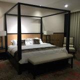 Mobilia moderna dell'hotel della camera da letto superiore italiana