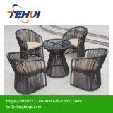 Mobilia pranzante esterna del patio della mobilia di vimini elegante del rattan