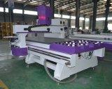 木製MDFのプラスチックのためのAtcの木工業CNCのルーター機械