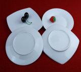 純粋で白い方法正方形の陶磁器の版テーブルウェア