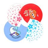 Il fumetto bello scherza il cappello di nuoto