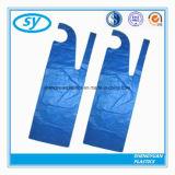 Tablier en plastique de polyéthylène pour des adultes