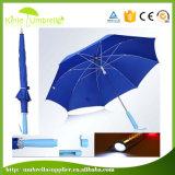 Großhandels-LED-heller Regenschirm-gerade Förderung-Regenschirme mit grellem Licht auf Griff