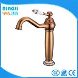 Mélangeur en céramique classique de robinet de salle de bains de traitement de type élevé