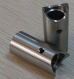 Автомобиль CNC стали углерода высокого качества подвергая механической обработке разделяет части машинного оборудования поворачивая