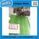 Стекло зеленого цвета прокатанное с линиями