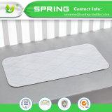 100%の有機性赤ん坊の証明される変更のパッドのマットの洗濯できる防水白