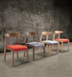 多彩な家具製造販売業が付いている木の食事の家具の木製の食事の椅子