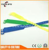 Microplaqueta descartável impressa logotipo do bracelete MIFARE 1K F08 de RFID com custo barato