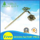 El oro plateado plata de encargo al por mayor 3D de la manera de la promoción a presión la dirección de la Internet de Rose del metal de la fundición para el regalo