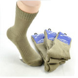 Mann-Armee-Wolle trifft Armee-Mannschafts-Socken hart