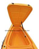 Singolo kajak della canoa di pesca con i pedali per la promozione