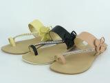 Piedras preciosas sandalias de anillo de convergencia