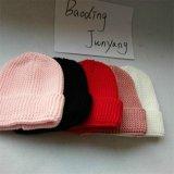 卸売によって編まれる純粋なカシミヤ織のアライグマの毛皮のポンポンの帽子の帽子