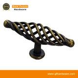 亜鉛合金の空の家具のノブの古典的なキャビネットのハンドルの家具のアクセサリ(D086)