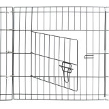 Im Freiendraht-Haustier-Übungs-Rahmen