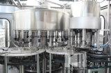Água da bebida que faz a linha de produção da máquina