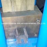 Rolo do suporte do painel solar que dá forma à máquina