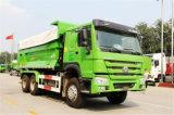 中国のブランドシリンダーが付いているHOWO 10Lエンジンの中間のひっくり返るトラック
