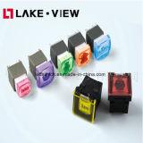 El interruptor de pulsador iluminado recorrido largo tiene momentáneo o enganche de diseños