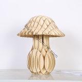 Lâmpada de mesa de cogumelo decorativo de madeira de estilo europeu montada