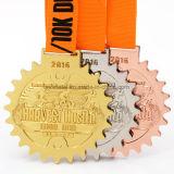 卸し売りカスタム金属のTriathlonのスポーツメダル