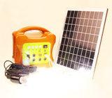 Mini nécessaires à énergie solaire d'éclairage de système d'alimentation de C.C 6W solaires avec la charge pour camper à la maison