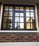 Le soufrage de la main a ouvré Windows en acier français