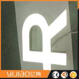 Cartas encendidas tarjeta de la muestra del LED