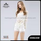 Maglione posteriore Crocheted floreale del poncio del merletto con il bordo della frangia