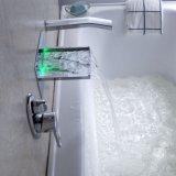 Solo golpecito montado en la pared de cobre amarillo de la ducha del baño de la maneta con las luces del LED