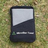 Comercio al por mayor Deportes Toalla de microfibra bordado personalizado de la bolsa de Pentecostés