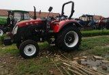 Machine Twee van de landbouw de Tractor van het Wiel met Verschillende Instrumenten wordt uitgerust dat