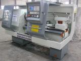 Máquina de rosca de tubo de PVC Tornos CNC Máquina (QK1313)