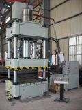 tôle formant une presse hydraulique