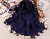 Os xailes do poliéster do algodão Plain o lenço longo do Tassel da cor para a venda por atacado