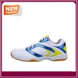 Le badminton du coussin des hommes de mode chausse des chaussures de sport en gros