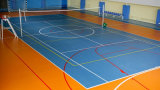 [ب] كرة الطائرة تدريب شبكة داخليّة لأنّ بالغة لاعبات